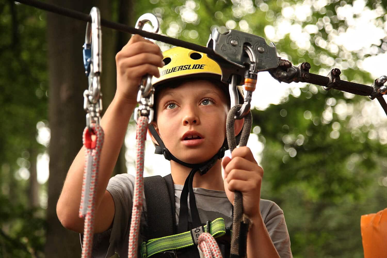 Klettern ist für Urlaub mit Kindern eine tolle Idee